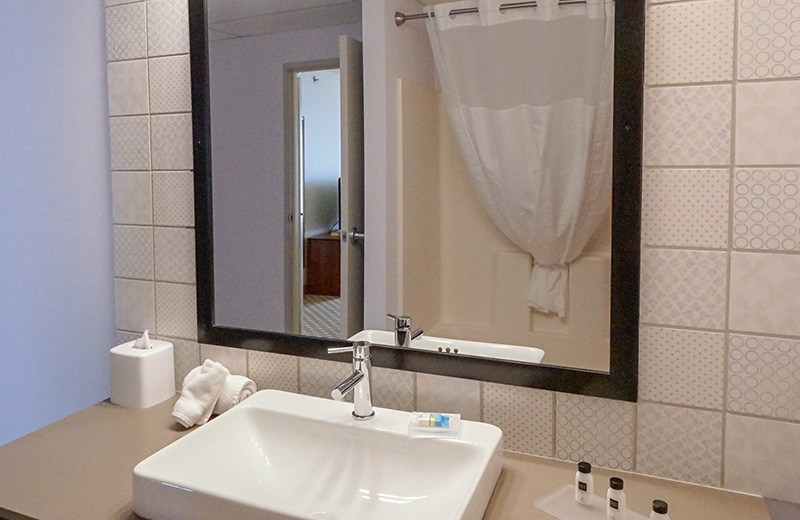 Commercial building - interior remodeling - guest bathroom