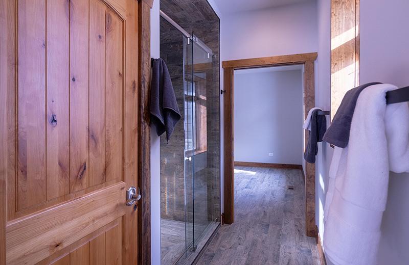 Shower Suite Between Adjoining Bedrooms