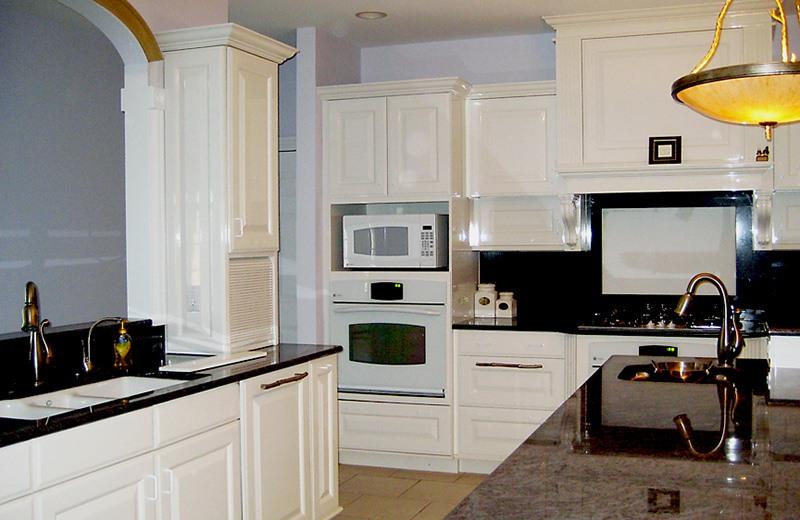 Custom built luxury home - kitchen, Bull Valley, IL