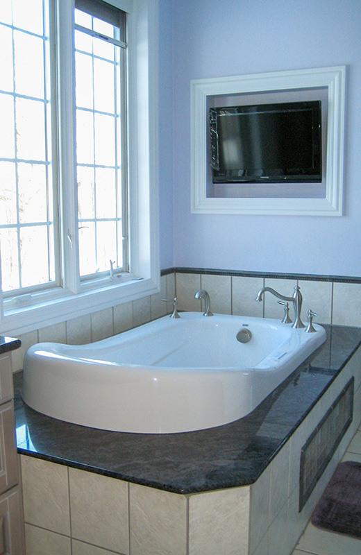 Custom built luxury home - master bathroom soaking tub